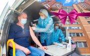ОХУ-д вакцин хийлгэсэн хүмүүст байр, машин амлаж байна