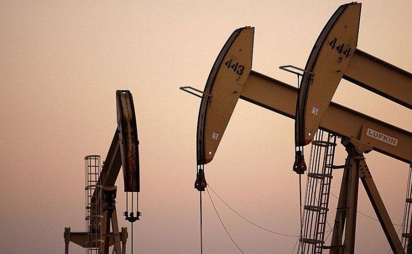 Нефть олборлогч орнууд үнийг тогтоон барихаар тохиролцжээ