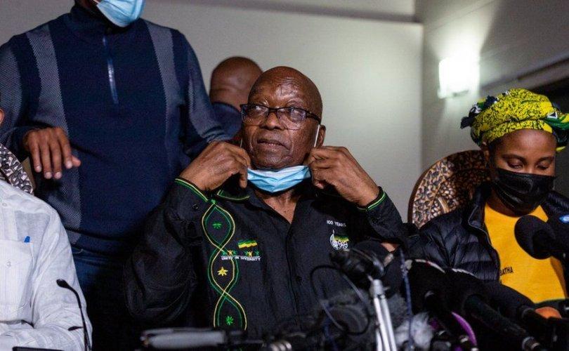 Өмнөд Африкийн Ерөнхийлөгч асанөөрийгөө цагдаад барьж өгөв
