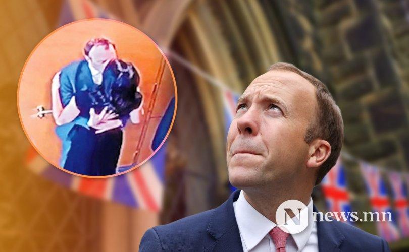 Скандалын эзэн Их Британийн сайд