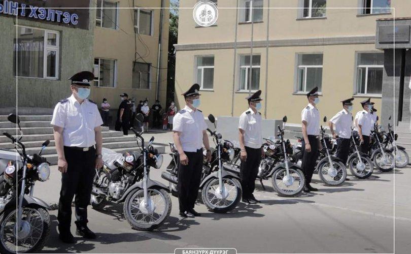 БЗД-ийн Цагдаагийн газарт 18 мотоцикл, техник тоног төхөөрөмж өглөө