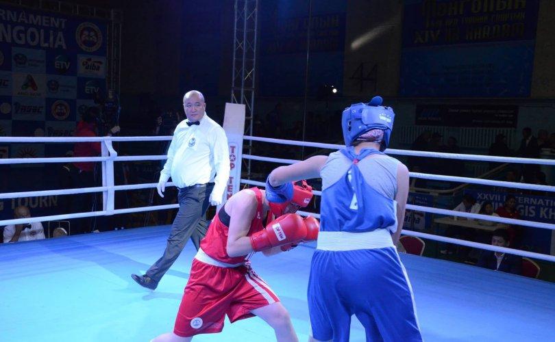 Олимпийн боксын тулааныг Монгол шүүгчид дэнсэлж байна