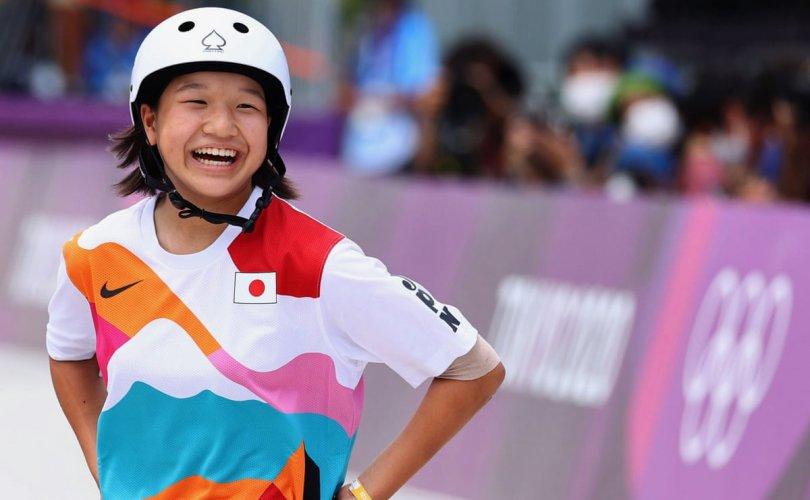13 настай Япон охин олимпийн наадамд түрүүллээ