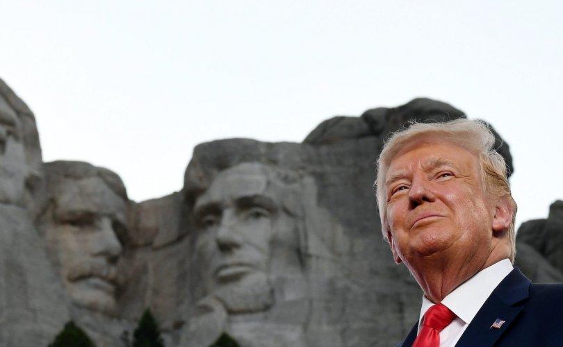 Трамп: Би Линкольн, Вашингтон нартай өрсөлдсөн бол ялах байсан
