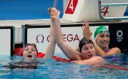17 настай охин олимпийн аваргыг ялж, алтан медаль хүртлээ