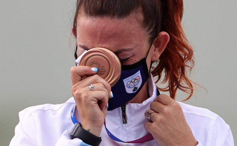 34 мянган хүнтэй Сан Марино олимпийн анхны медалиа хүртэв