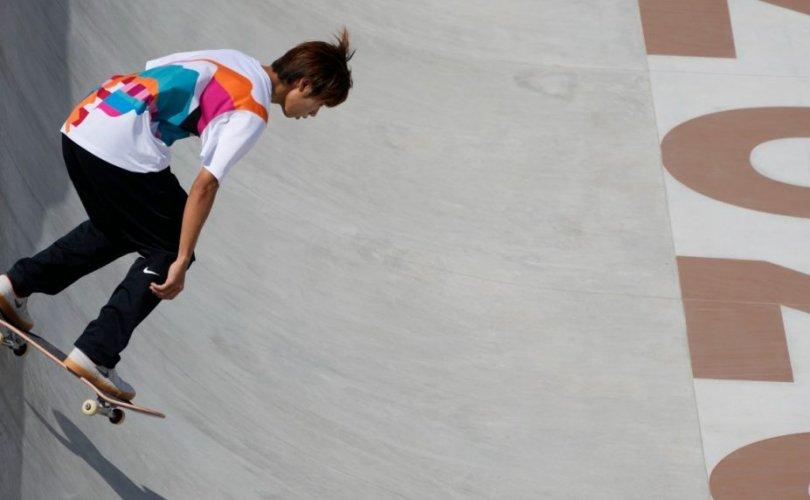 Скейтбордын спортын олимпийн анхны аварга тодорлоо