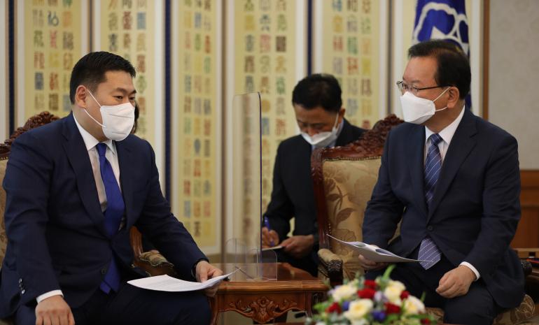 БНСУ-ын Ерөнхий сайд Ким Бү Гём-тэй уулзалт хийв