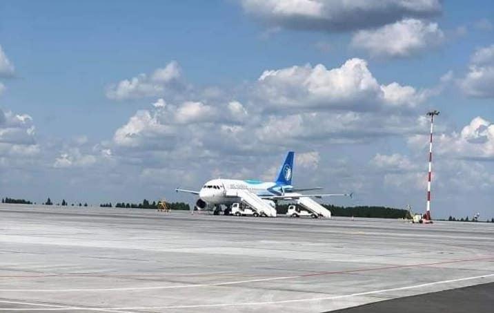 ОХУ-д саатсан онгоцны зорчигчдыг хилээр нэвтрүүлж эхэллээ