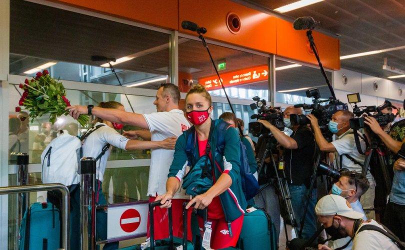 Польшийн 6 тамирчин Олимпод оролцож чадалгүй нутаг буцав