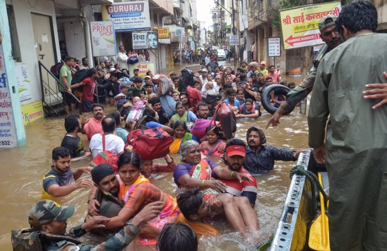 Энэтхэгт үерийн улмаас амиа алдсан хүний тоо 159 болжээ