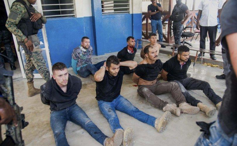 Тайванийн элчинд орогносон 11 сэжигтнийг баривчилжээ