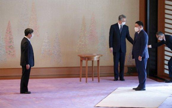 Ерөнхий сайд Японы эзэн хаан Нарухитод бараалхлаа