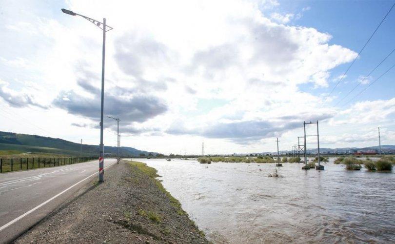 Аянга цахилгаан, үер усны аюулаас сэрэмжлүүлж байна