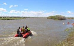 Дэлгэр мөрөн, Хэрлэн голд живсэн хоёр эрэгтэйг эрэн хайж байна