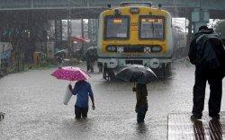 Энэтхэгт үерийн улмаас 110 хүний амь нас эрсэдлээ