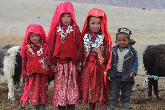 Киргизстан улс Афганистанаас нутаг нэгтнүүдээ татан авна