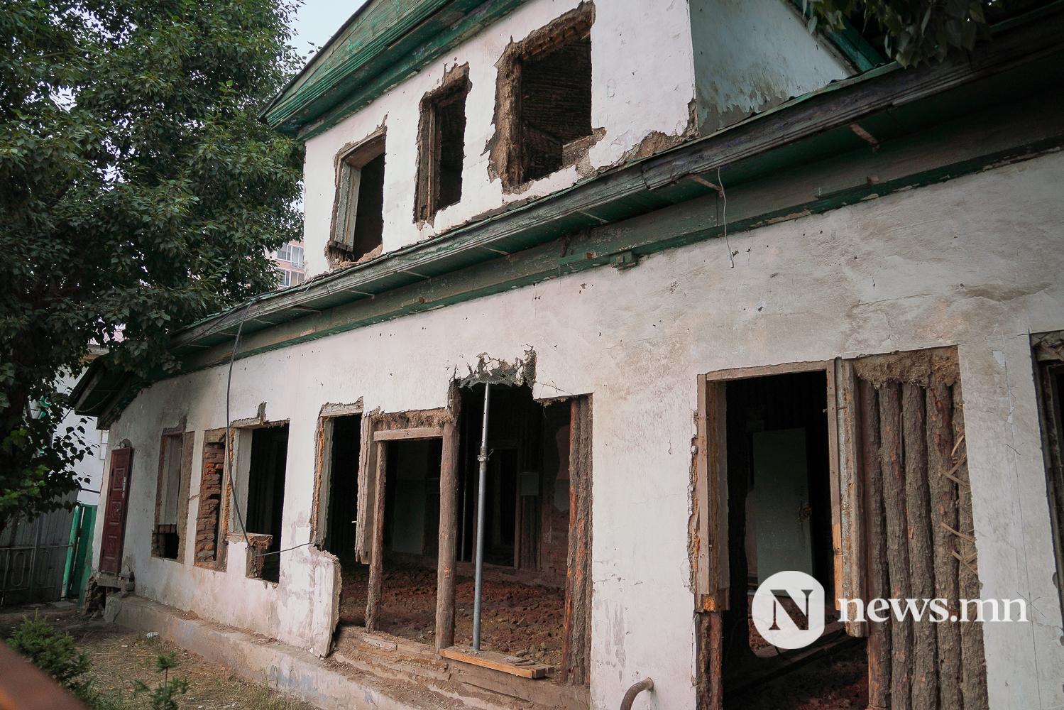 Соёлын өв түүхэн дурсгалт барилгууд (3 of 6)