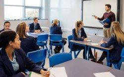 Англид бүх сурагчаас 3-5 хоногт шинжилгээ авна