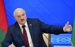 """Лукашенко """"BBC""""-ийн сэтгүүлчийг """"америк нохой"""" хэмээн доромжлов"""