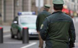 Их Британийн Элчин сайдын яамны ажилтанг баривчилжээ