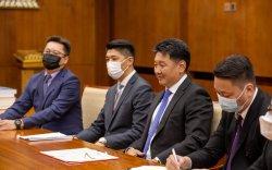 Монгол Улсын Ерөнхийлөгч У.Хүрэлсүхэд Азийн хөгжлийн банкны төлөөлөгчид бараалхав