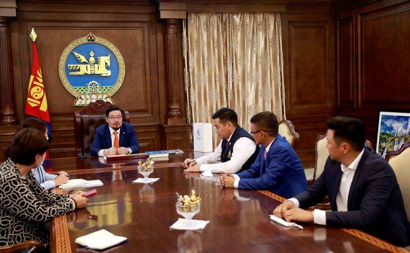 УИХ-ын дарга Монголын Залуучуудын Холбооны төлөөллийг хүлээн авч уулзав