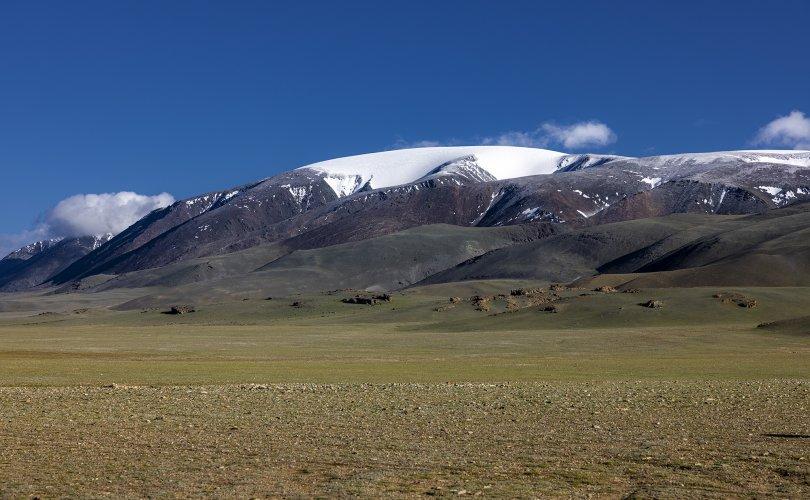 Мөнх цаст Сутай хайрхан уулын тэнгэрийг тайх төрийн тахилга боллоо