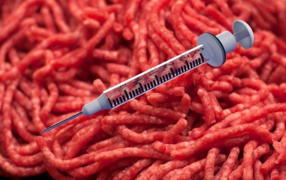 Вакцинд сайн дураараа хамрагдсан иргэддээ 2 кг үхрийн мах өгч байна