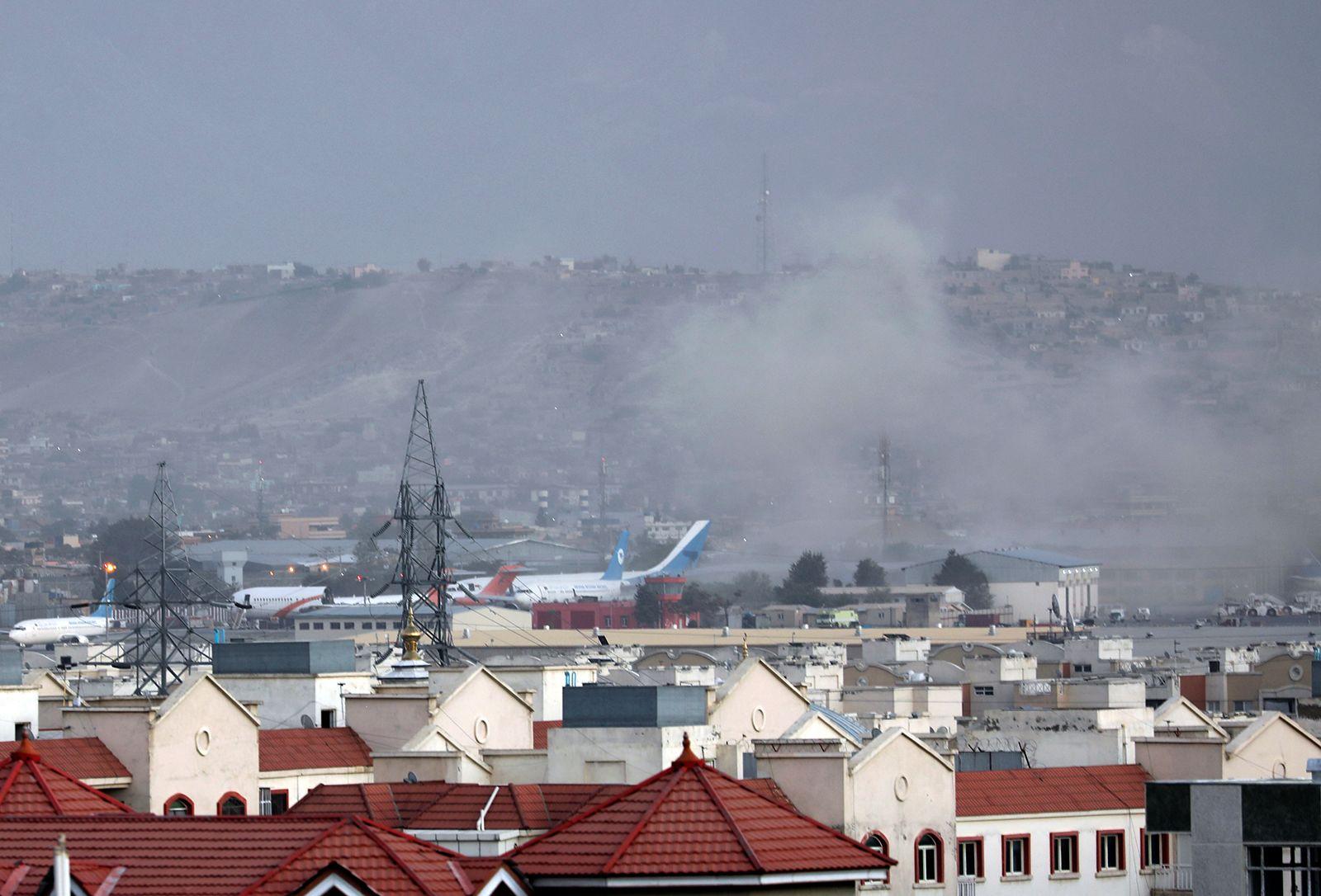 https___cdn.cnn.com_cnnnext_dam_assets_210826104457-04-kabul-explosion-0826