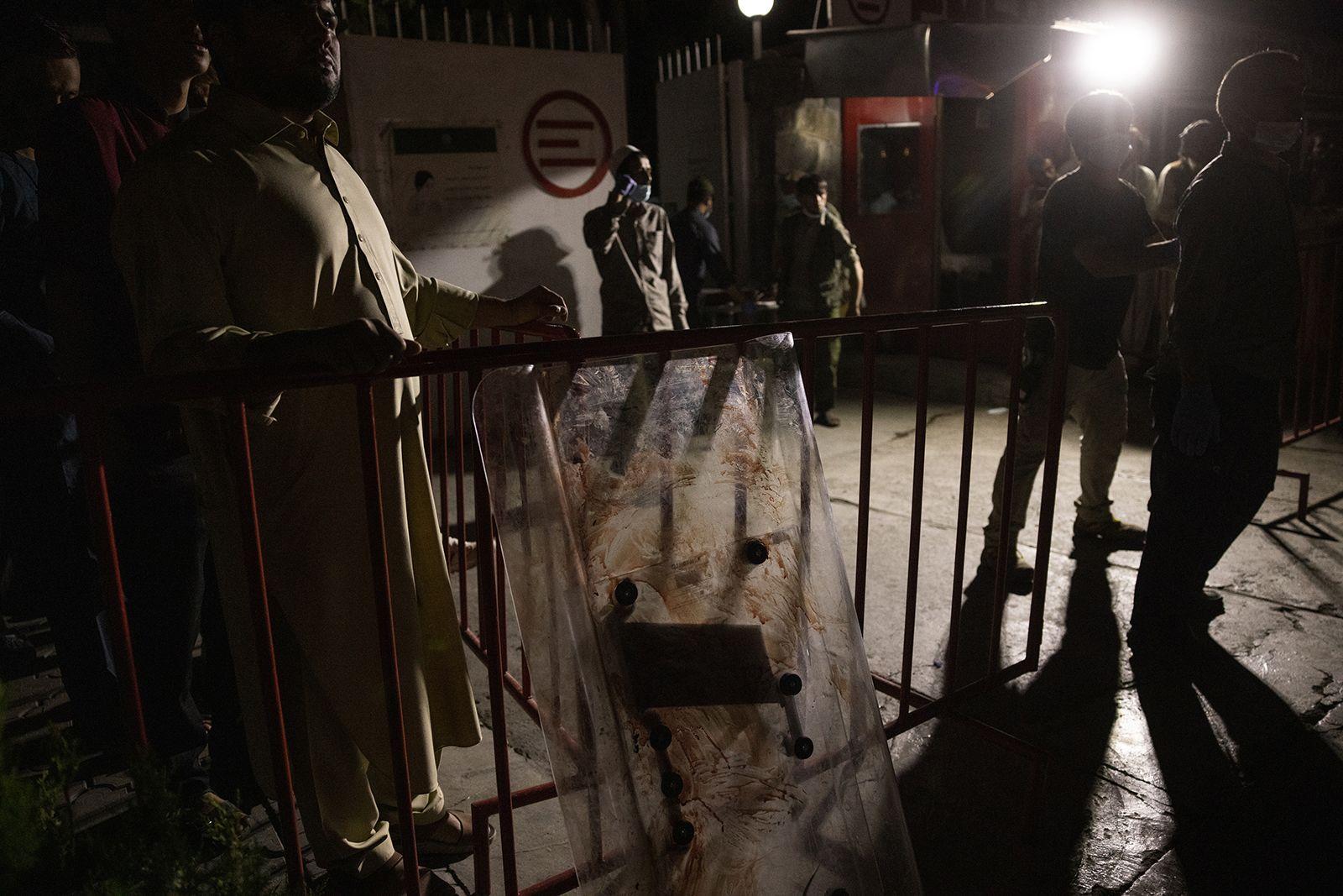 https___cdn.cnn.com_cnnnext_dam_assets_210826150829-04-afghanistan-explosion-0826