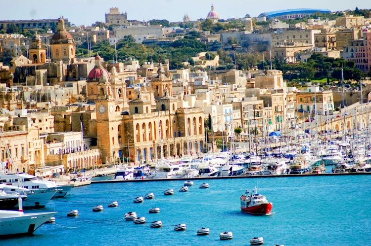 Малта аралд цельсийн 43 хэм хүрч халжээ