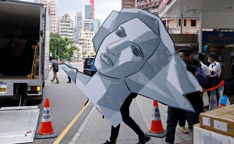 """Хонгконгийн цагдаа нар Тянь Ань Миний талбайн музей рүү """"дайрчээ"""""""