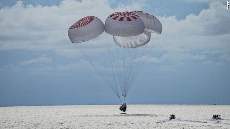 Space X: Жуулчид сансарт аюулгүй аялаад ирсэн нь ердөө эхлэл
