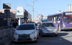 Автобусны буудал дээрх машины мэдээллийг E-police апп-д илгээгээрэй