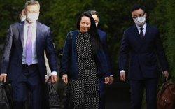 """""""Huawei"""" компанийн өв залгамжлагч Мэн Ванжоуг суллажээ"""
