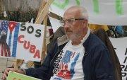 НҮБ-ын байрны гадна 61 настай эрэгтэй өлсгөлөн зарлажээ