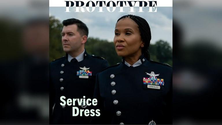 АНУ-ын сансрын хүчний дүрэмт хувцасны загварыг киноноос хулгайлсан уу?