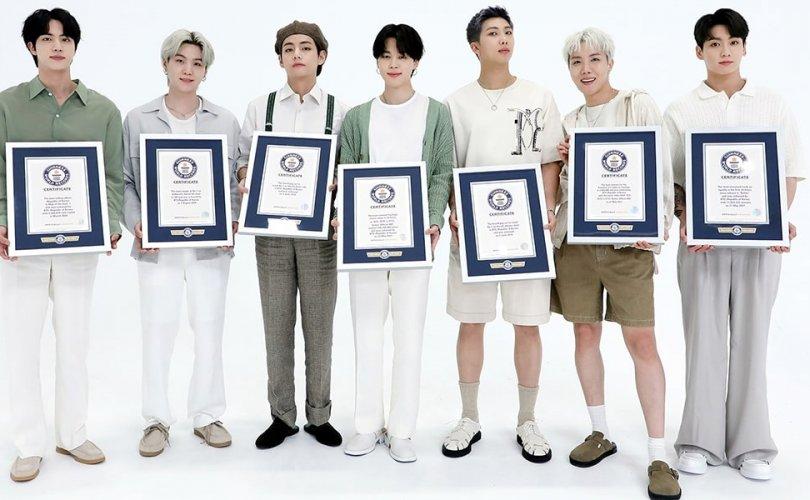 """""""BTS"""" хамтлагийн эзэмшдэг Гиннесийн 23 дэлхийн дээд амжилт"""