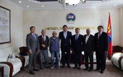 Монгол Улсын анхны инженерүүдийг хүлээн авч, хүндэтгэл үзүүллээ