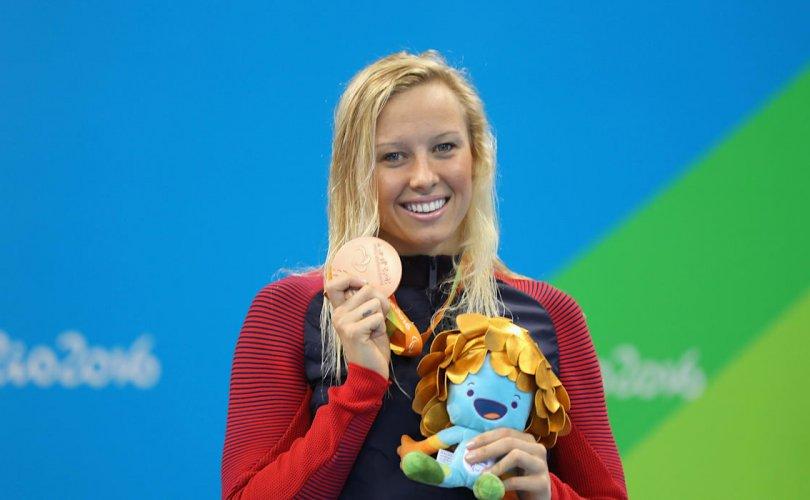 Паралимпийн 13 алтан медальтан