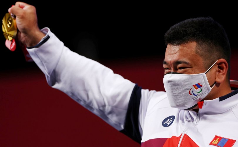 Паралимпийн медальтнуудаа хэрхэн урамшуулдаг вэ?