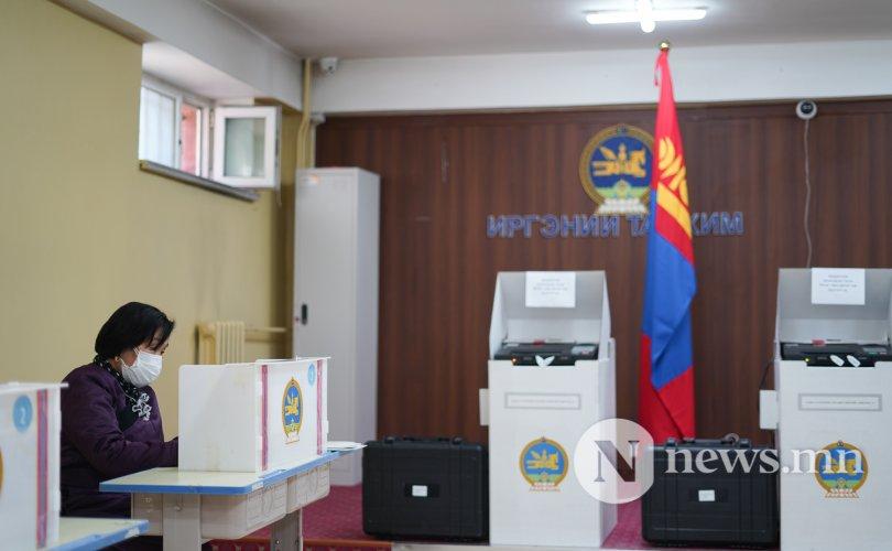 ФОТО: Нөхөн сонгуульд залуус идэвхгүй оролцож байна