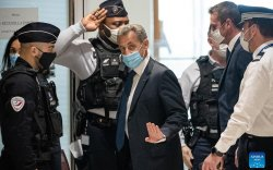 Францын ерөнхийлөгч асан Саркози хорих ял сонслоо