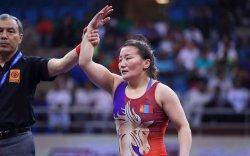 Чөлөөт бөхийн гурван бүсгүй хүрэл медалийн төлөө барилдана