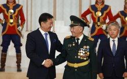 Бэлтгэл хурандааЯ.МягмарсүрэндМонгол Улсын гавьяат багш цол хүртээв