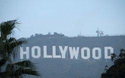 Холливудын арын албаныхан цалингаа нэмүүлэхээр ажил хаяв