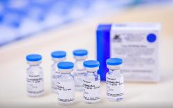 ОХУ хамарт цацаж хэрэглэдэг вакцин туршина