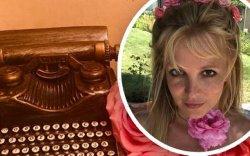 Бритни Спирс сэтгэл дэх бүх гомдлоо дэлгэжээ