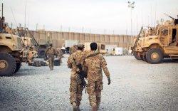 """""""NATO""""-д ажилласан афган орчуулагч нар аюул дунд үлджээ"""